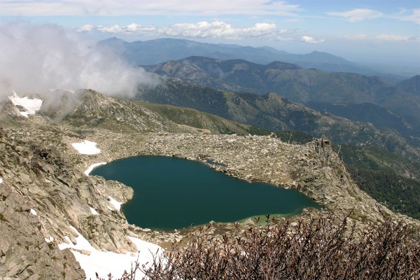 lac de bastani, au pied du monte Renoso. (corse)