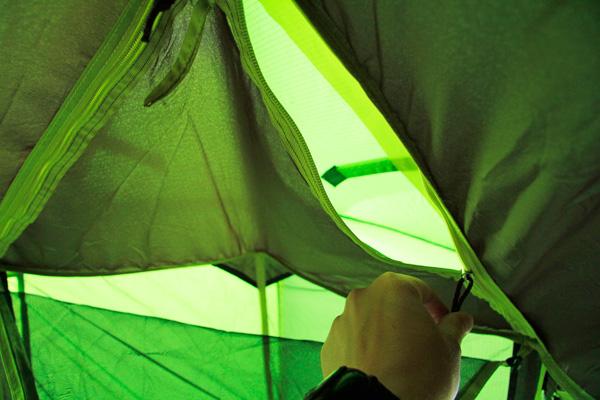 Ouverture-fenetre-tente-quickhiker