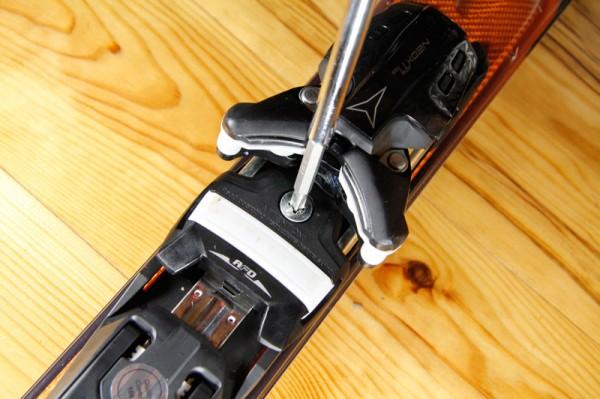 Reglage fixation mini ski