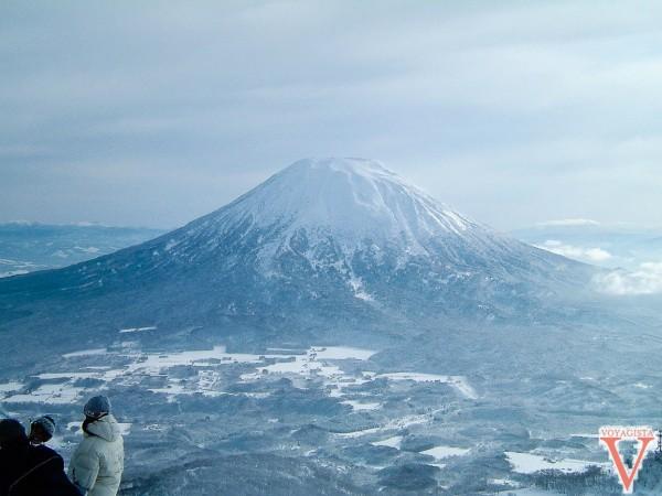 Vue depuis Niseko sur le volcan Yotei, vue très rare il neige la plupart du temps