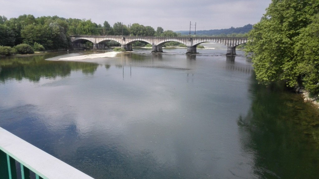 Sur le pont d'Ain