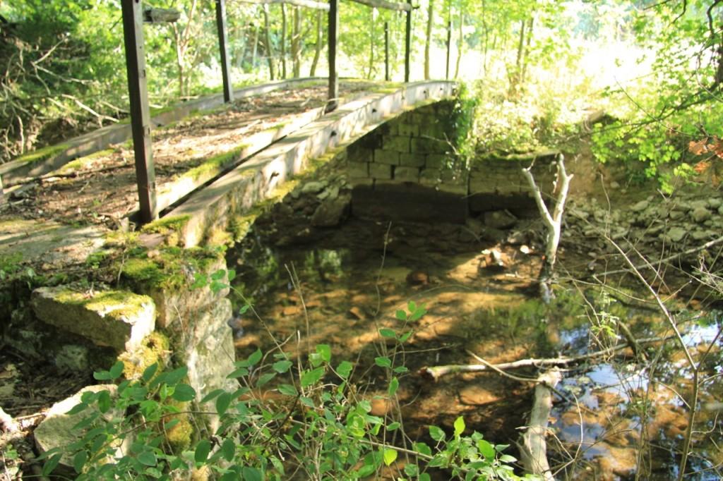 Petit pont sur l'Aube