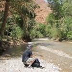 Le long du Oued dans les Gorges de Todra