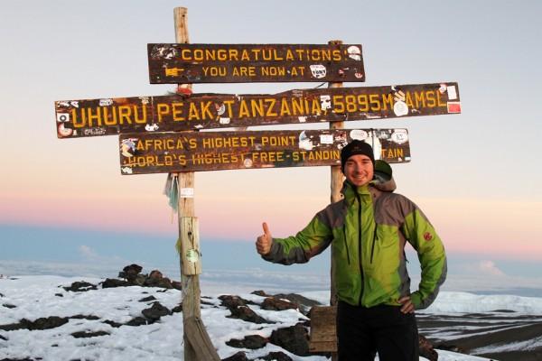 au sommet du kilimandjaro (5895 m) - Tanzanie