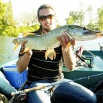 Pêche au streamer en barque.