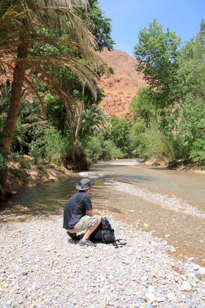 Rivière-maroc-les-gorges-de-todra