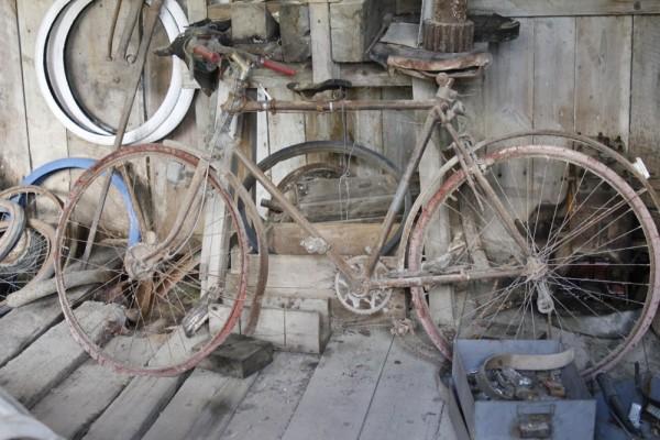 Un ancien vélo en Meuse