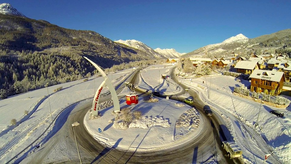Rond Point St Chaffrey Serre Chevalier slider
