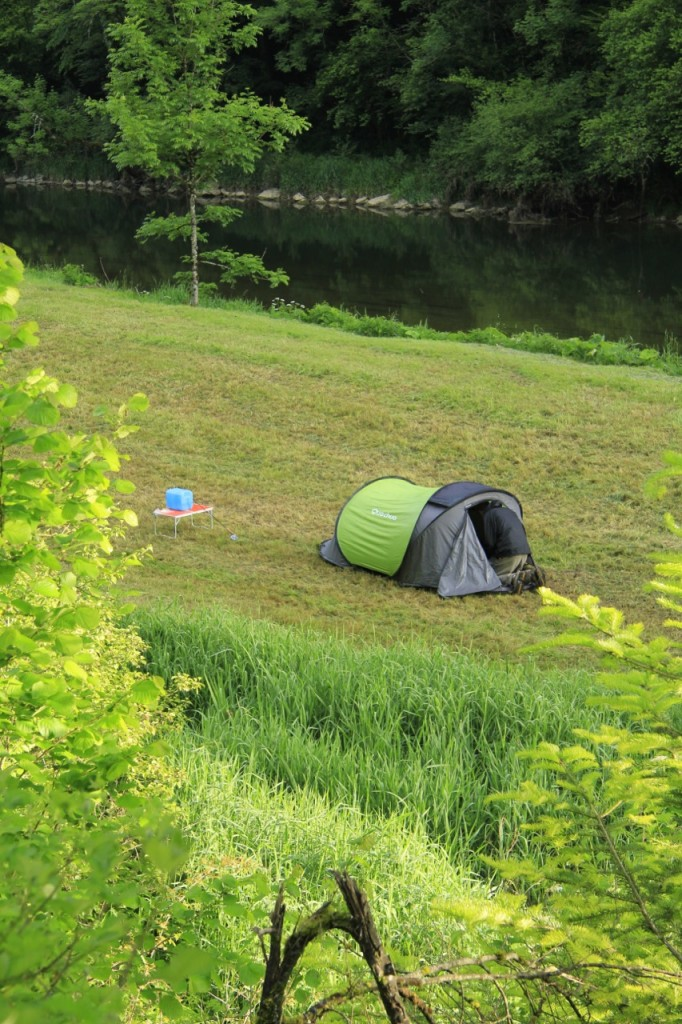 Bivouac le long du Doubs